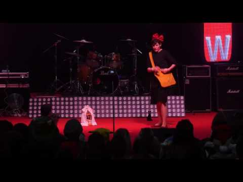 related image - Toulouse Game Show 2016 - Concours Cosplay Solo - 06 - Kiki Delivery's Service