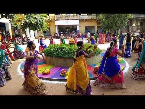 Bathukamma dance