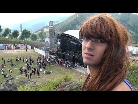 Elvisa descubre qué es un festival de música (Bilbao BBK Live)