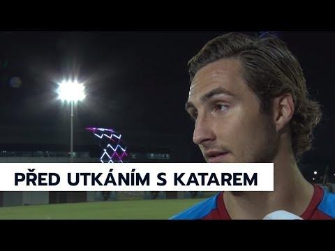 Karel Jarolím a Stefan Simič před zápasem s Katarem