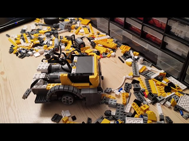 Full speed build of Lego Liebherr L506 compact wheel loader
