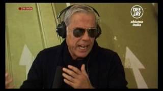 Teo Teocoli ospite a Deejay chiama Italia (Radio Deejay)