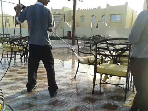 doha,qatar hotel:cleaning up