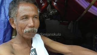 Download Rumah hilang di sapu ombak,bapak ini tinggal di tenda seadanya