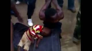Repeat youtube video CHILD KIDNAPPER CAUGHT IN LAGOS