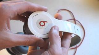 Review: Beats By Dr. Dre Solo HD Headphones(, 2010-10-17T23:58:18.000Z)