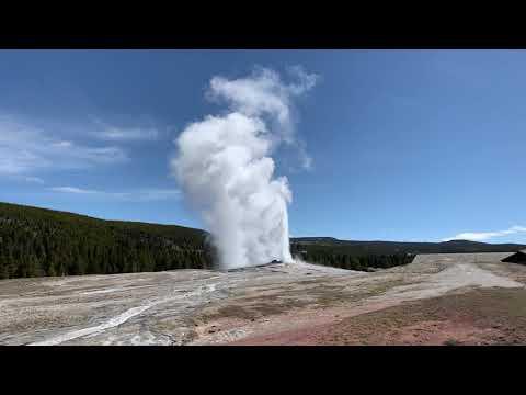 Yellowstone: Old Faithful Geyser