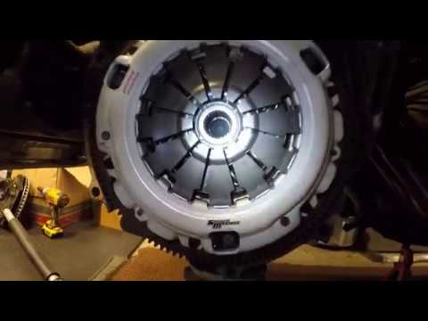 How to install clutch on a manual transmission - 2006 Honda Civic SI