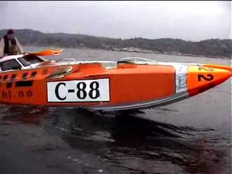 Pål Virik Nilsen racing UIM Offshore Class 3 series (Crash)