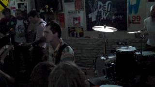 """The Soft Pack - """"Down On Loving"""" @ Trailer Space SXSW 2010"""