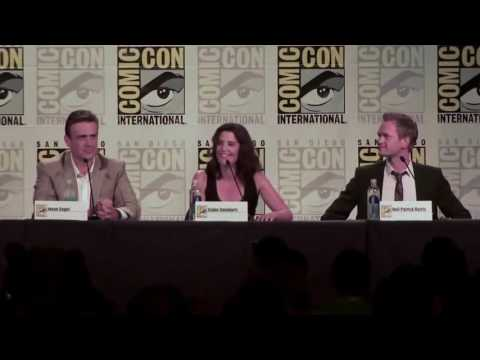 Thumbnail: Cobie Smulders and Neil Patrick Harris sing 'Let's Go To The Mall' at Comic Con 2013