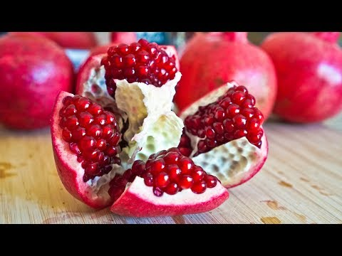 Easiest Way to Cut Open Pomegranate in 2 MIN