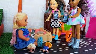 Фото ТЫ БЕДНАЯ! УХОДИ! Катя и Макс веселая семейка. Мультики с куклами Барби живые куклы
