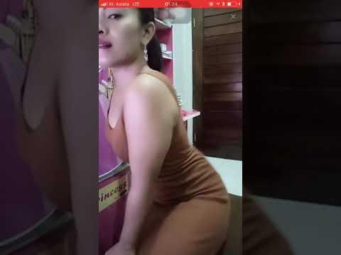 Bigo live hot indo!! Goyangan tante hampir telanjang
