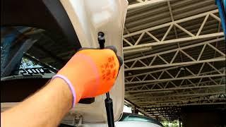 Замена газовых упоров багажника на Mitsubishi ASX Мицубиси АСХ 1,8 2013 года