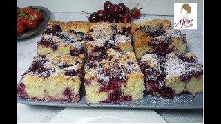 Ein leckerer Blechkuchen mit fruchtigen Beeren und Kokos in nur 15 Minuten✅ kommt immer gut an