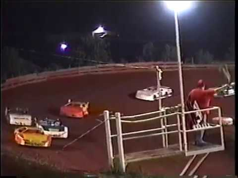 2002 I-77 Speedway Semi-Late heat race - Keith Bills wins, Travis Brookover 2nd - I77 Raceway Park
