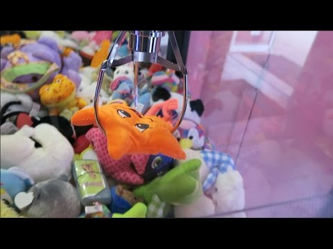 FOUND THE STRONGEST CLAW MACHINE EVER!! (WON SO MUCH!)