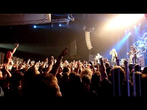 Steel Panther - The Shocker [HD] live