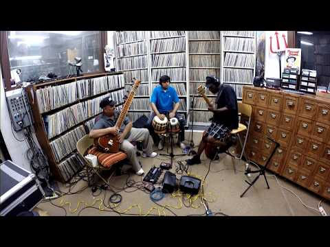Raga Jhinjhoti. Sitar World Beat, Jazz, Fusion Music. Ashwin Batish Live KFJC FM Radio