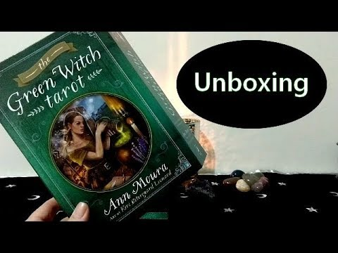 The Green Witch Tarot - UNBOXING