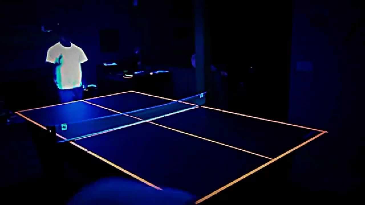Black-light Ping-Pong, things that glow under black light, what glows red under black light, how to make glow in the dark ping pong balls, Blue under UV light
