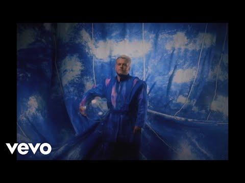 Смотреть клип Bruno Martini, Iza, Timbaland - Bend The Knee