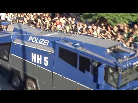 Hamburg police Welcome to Hell march Part 1