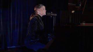 Смотреть клип Saara Aalto - Tähdet, Taivas Ja Sä