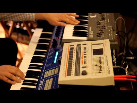 PPG Wave 2.3, SH-101, and TR-707 Italo ditty