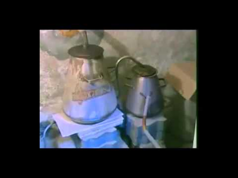 ae8109ec0 صناعة دهن العود - YouTube