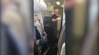 "Лидер ""Чайф"" Владимир Шахрин устроил скандал из-за жары в самолёте"
