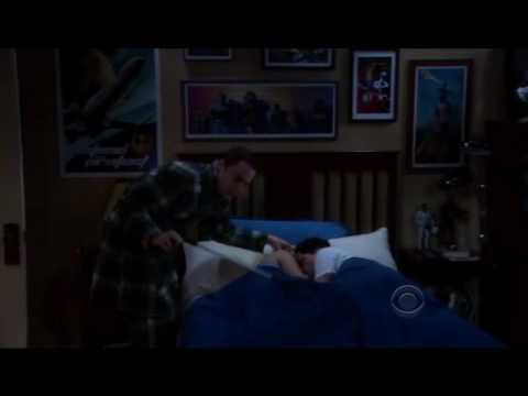 The Big Bang Theory - When penny knocks sheldon =D