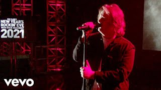 Download Lewis Capaldi - Before You Go (Live From New Year's Rockin Eve / 2020)