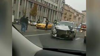 Массовое ДТП произошло в центре Москвы.