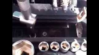 How to torque spark plugs