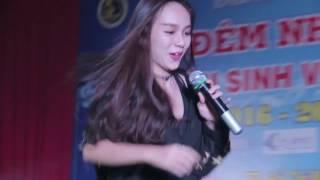 Tình yêu màu nắng - Tống Yến Nhi   Đêm nhạc chào tân SV K57   2016.10.21.(26)