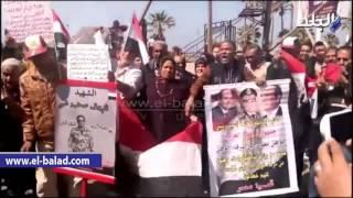 بالفيديو والصور.. وقفة أمام 'القائد إبراهيم' تطالب بالقصاص من قتلة الشهيد المقدم شريف عمر
