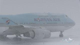 猛吹雪の新千歳空港 Korean Air B747-400 離陸@A10 New Chitose Japan