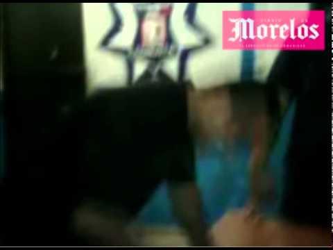 Detienen a gerente ebrio y mano larga from YouTube · Duration:  1 minutes 18 seconds