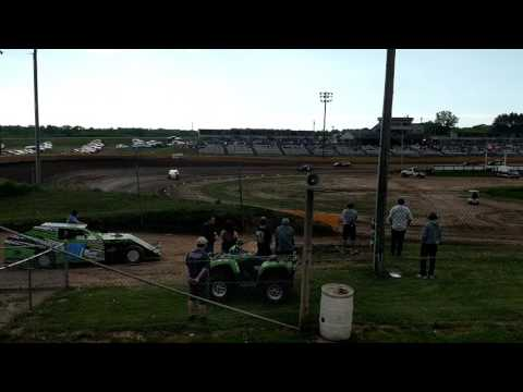 5.27.17 Cedar Lake Speedway MWM heat 2