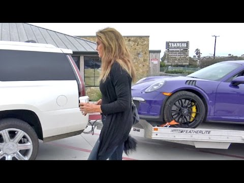 Caitlyn Jenner Drives Her Tow Trailer To Starbucks