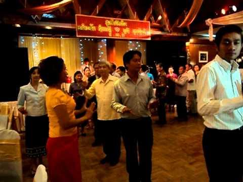 ລຳວົງສາລະວັນ Saravane dance