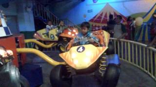 mainan anak mobil balap LUCU BANGETT..!!