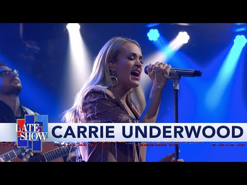 """Carrie Underwood - """"Low"""" Performance"""