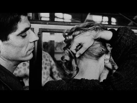 La Jetée - A Museum Filled with Ageless Animals