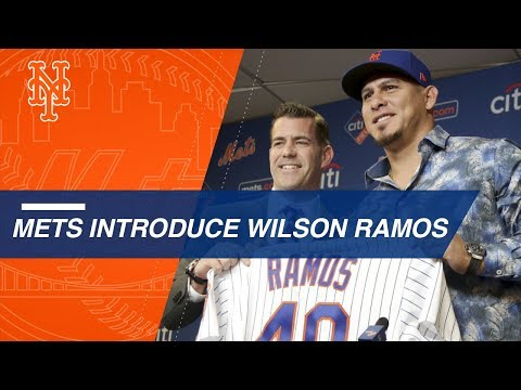 Mets introduce catcher Wilson Ramos