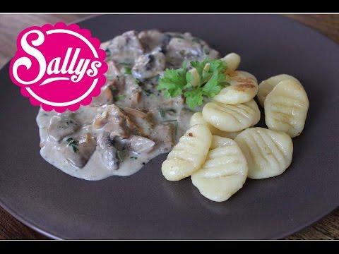 vegetarisches Gericht: Gnocchis mit Pilzragout / auch vegan möglich