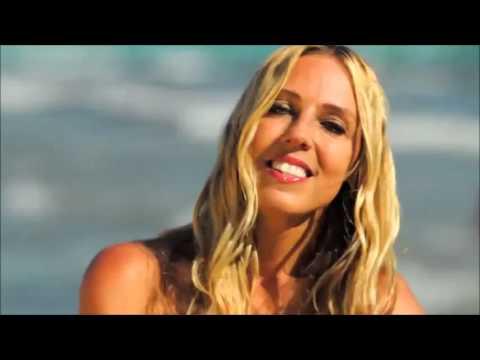 Loona - Vamos A La Playa (lyrics on description)
