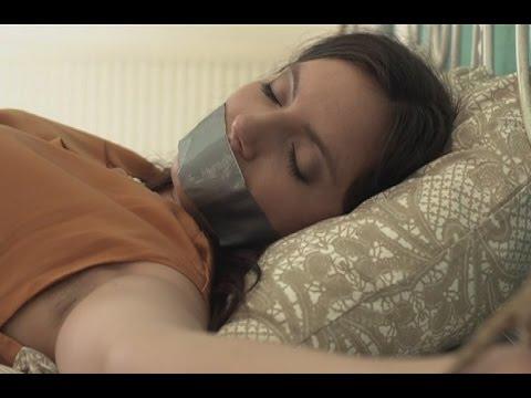 Смотреть порно онлайн развлекается со спящей подругой